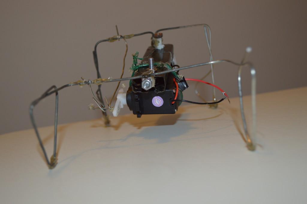 Robot bouwen: Osci robot gezien vanuit de voorkant