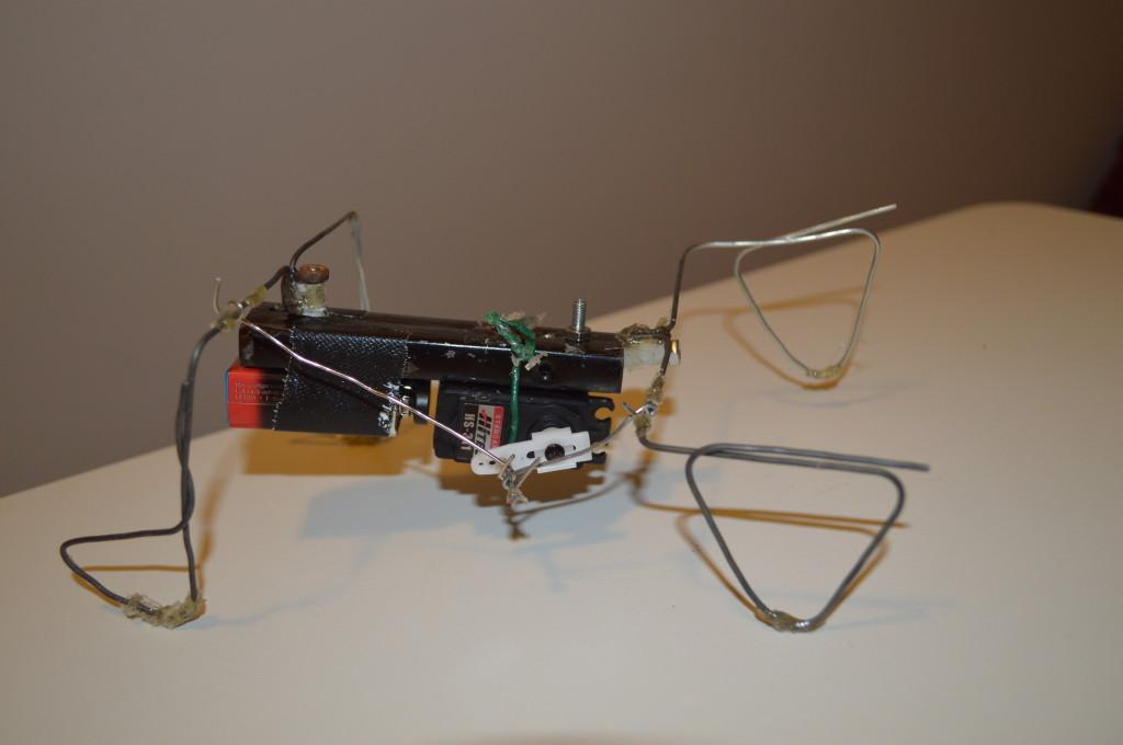 Robot bouwen: Osci robot gezien vanuit de zijkant
