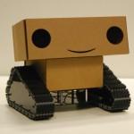 Kartonnen robot Boxie