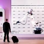 Butlerrobot Yobot neemt je bagage over